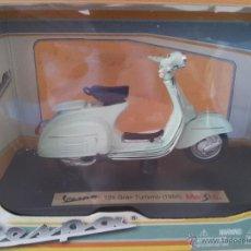 Motos a escala: VESPA 125 GRAN TURISMO 1966, 1:18, NUEVO. Lote 48290100