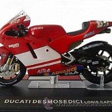 Motos a escala: DUCATI DESMOSEDICI - LORIS CAPIROSSI 2004. Lote 49411901