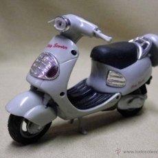 Motos a escala: MOTO, MOTOCICLETA, OLDY SCOOTER, 13 CM. Lote 50301447
