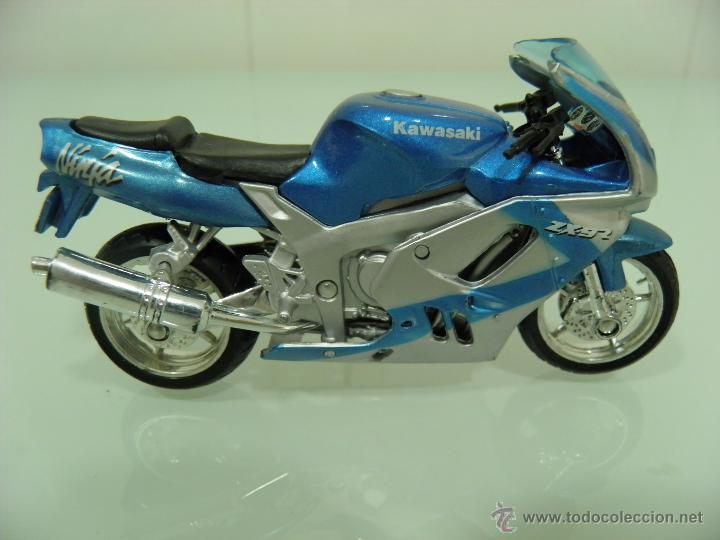 Motos a escala: 15 MOTOS /18, MAISTO, BMW, HARLEY-DAVIDSON, YAMAHA, KAWASAKI, HONDA, DUCATI, PEUGEOT, INDIAN - Foto 11 - 50855092