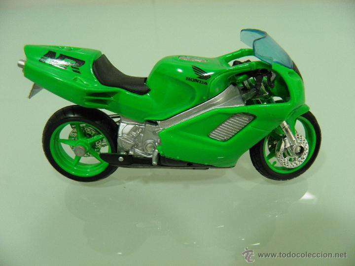 Motos a escala: 15 MOTOS /18, MAISTO, BMW, HARLEY-DAVIDSON, YAMAHA, KAWASAKI, HONDA, DUCATI, PEUGEOT, INDIAN - Foto 12 - 50855092