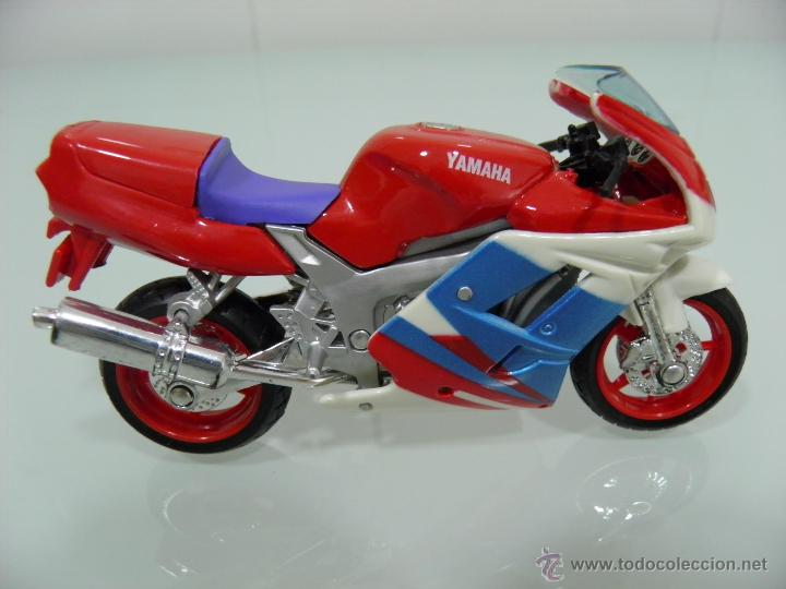 Motos a escala: 15 MOTOS /18, MAISTO, BMW, HARLEY-DAVIDSON, YAMAHA, KAWASAKI, HONDA, DUCATI, PEUGEOT, INDIAN - Foto 14 - 50855092