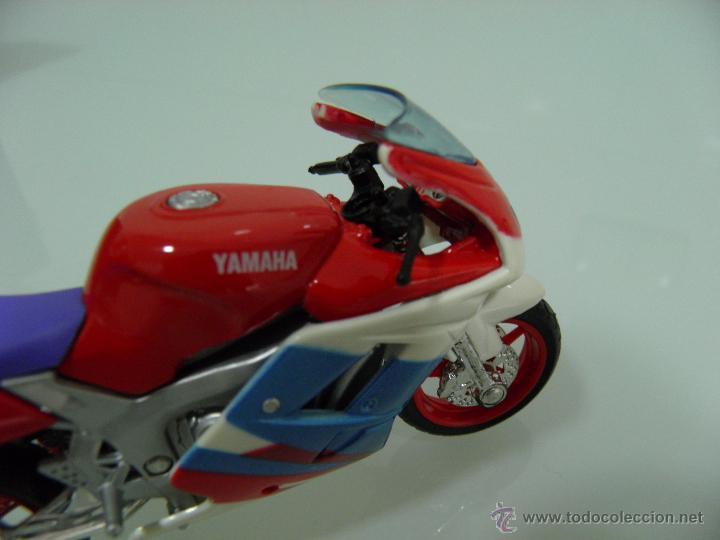 Motos a escala: 15 MOTOS /18, MAISTO, BMW, HARLEY-DAVIDSON, YAMAHA, KAWASAKI, HONDA, DUCATI, PEUGEOT, INDIAN - Foto 15 - 50855092