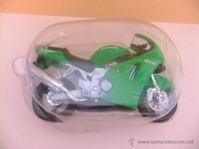 Motos a escala: MOTO KAWASAKI ZX 12 NINJA MAISTO - Foto 4 - 50774218