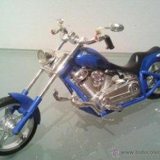 Motos a escala - MOTO BRATZ ORIGINAL EN BUEN ESTADO FUNCIONA, PARA MUÑECA O COMO DECORACION MAS . - 51123554