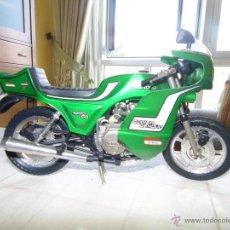 Motos a escala: BONITA MOTO MARCA AVC MADE IN SPAIN, GODIER GENOUD. AÑOS 80. Lote 236699265