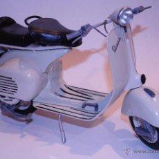 Motos a escala: VESPA. Lote 51673106