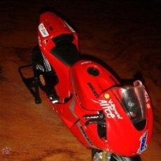 Motos a escala: DUCATI DE STONER. Lote 92338965