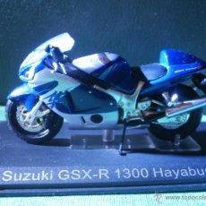 Motos a escala: MOTO - MINIATURA - SUZUKI GSX-R 1300 HAYABUSA - ESCALA 1-18 - EN PEANA. Lote 54949389