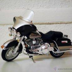 Motos a escala: MOTO HARLEY DAVIDSON 1998 FLHT ELECTRA GLIDE, DE MAISTO. Lote 55063589