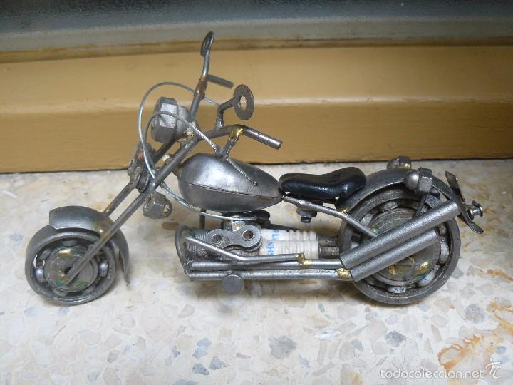 Motos a escala: GRAN MOTOCICLETA DE COLECCIÓN. -. 20 CM. 500 GRAMOS. MOTO DE FABRICACIÓN ARTESANAL. - Foto 2 - 56936086