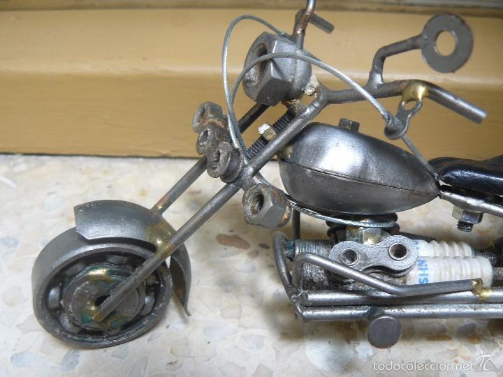 Motos a escala: GRAN MOTOCICLETA DE COLECCIÓN. -. 20 CM. 500 GRAMOS. MOTO DE FABRICACIÓN ARTESANAL. - Foto 4 - 56936086