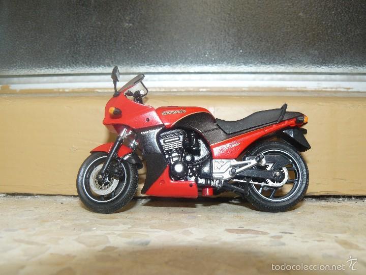 MOTO A ESCALA KAWASAKI GRZ900R (Juguetes - Motos a Escala)