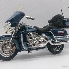 Motos a escala: MOTO HARLEY DAVIDSON ULTRA CLASSIC, CON SUSPENSION TRASERA A ESCALA, MARCA MAISTO .. Lote 57122248