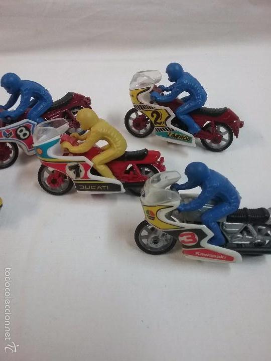 Motos a escala: LOTE DE 5 MOTOS PREMIUM PUBLICIDAD DE GALLETAS SIRO - Foto 4 - 58351255