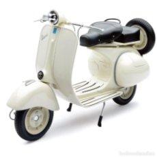 Motos a escala: MOTO VESPA PIAGGIO COLOR BLANCO ESCALA 1:6. Lote 63784419