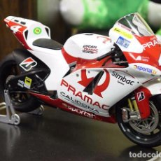 Motos a escala - Alex Barros Ducati 2007 IXO 1/12 - 64332491