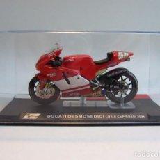 Motos a escala: MOTO DUCATI DESMOSEDICI LORIS CAPIROSSI MOTOGP 2004 ALTAYA 1/24. Lote 66773582
