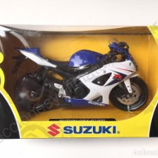 Motos a escala: MOTO SUZUKI GSX - R 1000 - 1:12 (NUEVA EN CAJA) GSX-R 1000 - 2008. Lote 65974286