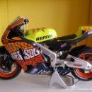 Motos a escala: MOTO ESCALA 1/12 VALENTINO ROSSI, GP VALENCIA 2003,HONDA RC211V, ALTAYA SOLO ABONADOS .. Lote 165078330