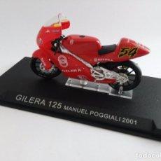 Motos a escala: MOTO GILERA 125 MANUEL POGGIALI 2001. Lote 76674203