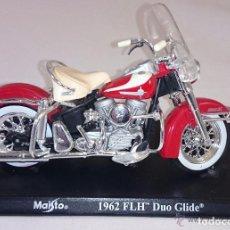 Motos a escala: MAISTO. MOTO A ESCALA 1962 FLH DUO GLIDE CON PEANA. Lote 77040213