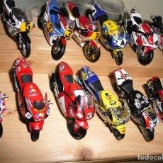Motos a escala: LOTE DE 36 MOTOS CARRERAS A ESCALA 1/24 . Lote 79585673