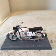 Motos in scale: MOTO MINIATURA - MOTO GUZZI V7 SPECIAL - 1967. Lote 81274766