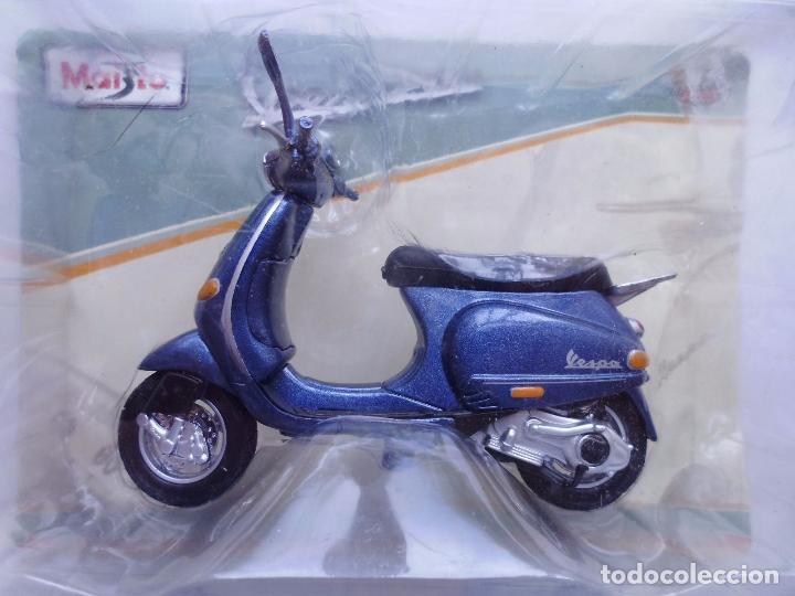 VESPA 125 ET4 1996 MOTO METAL EN MINIATURA ESCALA 1/18 MAISTO (Juguetes - Motos a Escala)