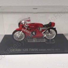 Motos a escala: MOTO DE CARRERAS DERBI TWIN DE 1971 / PILOTO ESPAÑOL ANGEL NIETO. MOTO GP (ESCALA 1:24) COMPETICIÓN. Lote 206178350