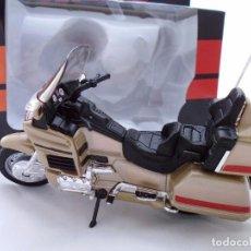 Motos a escala: HONDA GOLD WING MOTO BIKE MITOS DE DOS RUEDAS WELLY 1/18. Lote 98612331