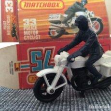 Motos a escala: MATCHBOX POLICE MOTOR CYCLIST. Lote 98623183