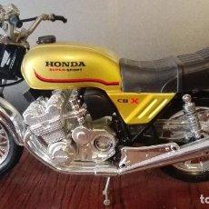 Motos a escala: HONDA CB X SUPER SPORT GUILOY. Lote 103828635