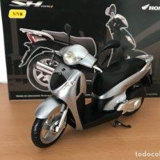 Motos a escala: PRECIOSA MOTOCICLETA DE COLECCIÓN HONDA SH125I. Lote 115273580