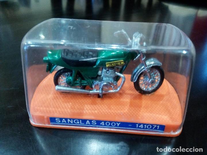 Motos a escala: MOTO SANGLAS 400Y de GUILOY -ESCALA 1:24- - Foto 2 - 115911503