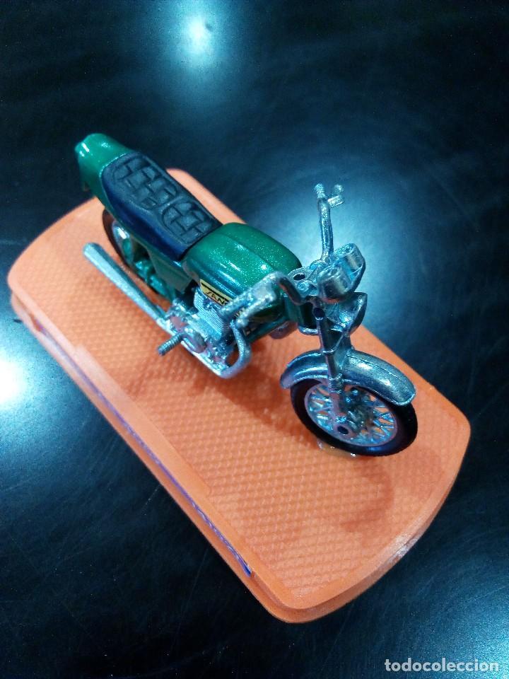 Motos a escala: MOTO SANGLAS 400Y de GUILOY -ESCALA 1:24- - Foto 5 - 115911503