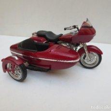 Motos a escala: HARLEY DAVIDSON CON SIDECAR DE MAISTO.. Lote 115939667