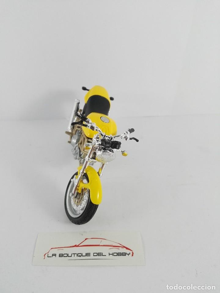 Motos a escala: DUCATI MONSTER 900 MAISTO ESCALA 1:18 - Foto 3 - 121145871