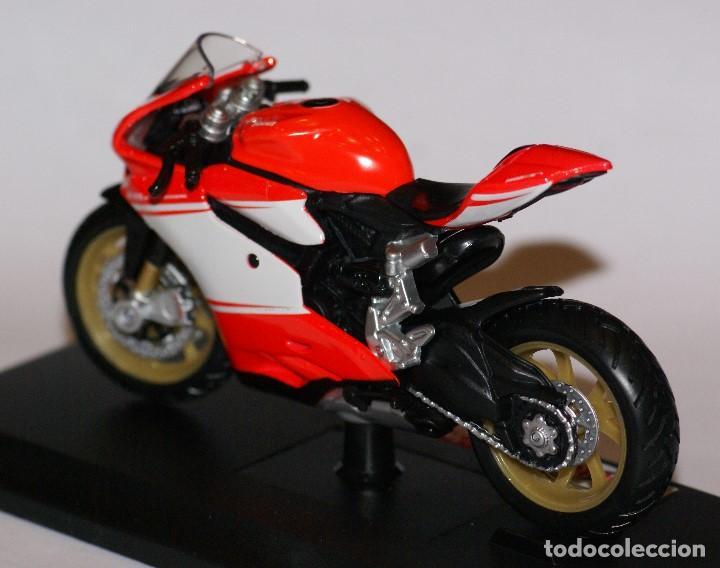 Motos a escala: MOTO DUCATI 1199 SUPERLEGGERA ESCALA 1:18 DE MAISTO EN SU CAJA - Foto 4 - 125344663