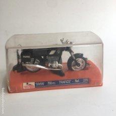 Motos a escala: MOTO MOTOCICLETA GUILOY BMW 750 CC TRAFICO REF. 279 NUEVA CON SU CAJA, PEANA Y CATALOGO. Lote 125399971