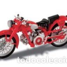 Motos a escala: MOTO GUZZI 1 24 FALCONE NUEVA EN CAJA EXPOSITORA. Lote 125445231