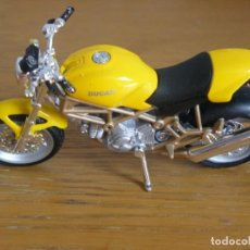 Motos a escala: 1/18 MAISTO MOTO DUCATI MONSTER 900. Lote 131837882