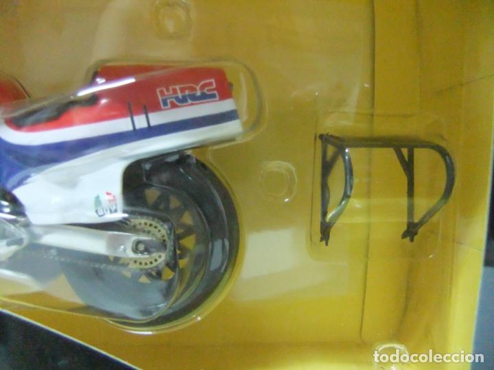 Motos a escala: HONDA NS500 NS 500 RANDY MAMOLA 1984 - ESCALA 1:12 ALTAYA MOTO MOTOCICLISMO DE COMPETICIÓN - Foto 3 - 133239902