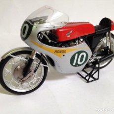 Motos a escala: MIKE HAILWOOD HONDA 1962 1/12 VERY RARE. Lote 133780922