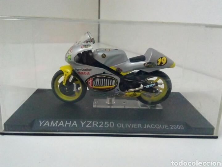 YAMAHA YZR 250 OLIVER JACQUE 2000 (Juguetes - Motos a Escala)