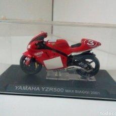 Motos a escala: YAMAHA YZR500 MAX BIAGGI 2001. Lote 136842580