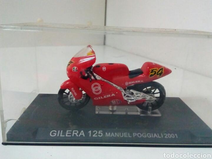 GILERA 125MANUEL POGGIALI 2001 (Juguetes - Motos a Escala)