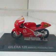 Motos a escala: GILERA 125MANUEL POGGIALI 2001. Lote 136842834