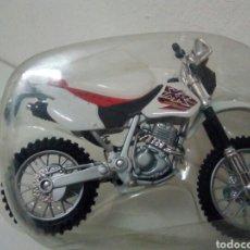 Motos a escala: HONDA TX CROS NUEVA EN BLISTER. Lote 136847125