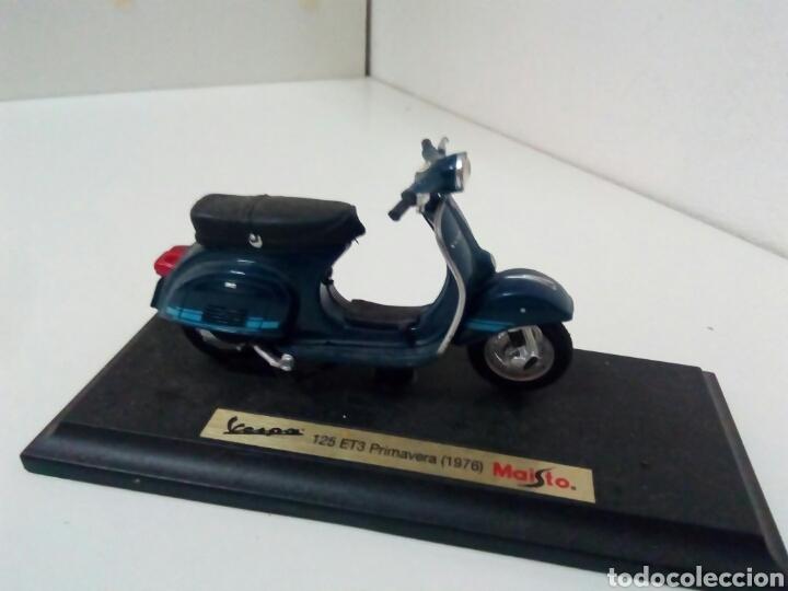 MOTO VESPA PRIMAVERA PK 125 CON PEANA (Juguetes - Motos a Escala)